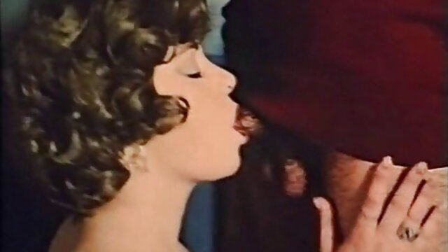 Titokzatos szexi vörös magyar amatőr szexfilmek a régi Európa