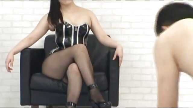 Lana Rhoades - magyar mami sex lány egy ölelés