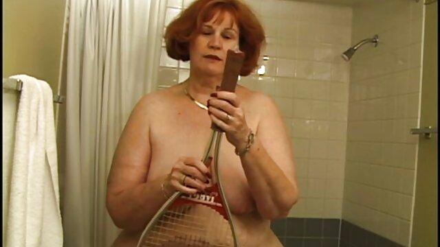 Az áruló DeArmond sex magyar pénzért tanítja a mostohalányát, hogy szolgáljon egy anális kurvát.