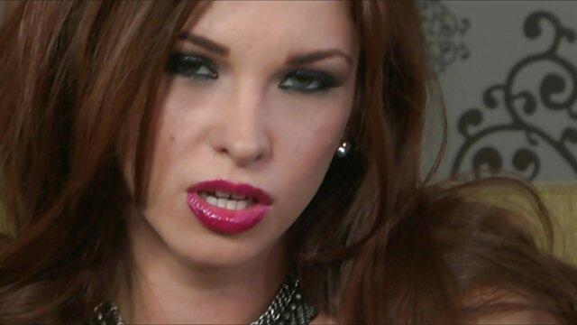Sophia Bella vesz egy nagy kakas fizetni a számlákat. magyar pornó sex