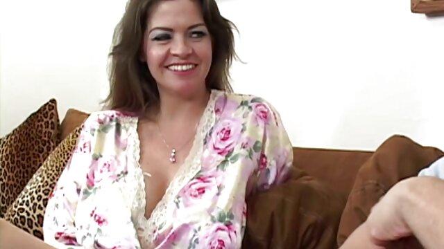 Emma csillag-pezsgő Emma vs Ézsaiás pornó magyarország